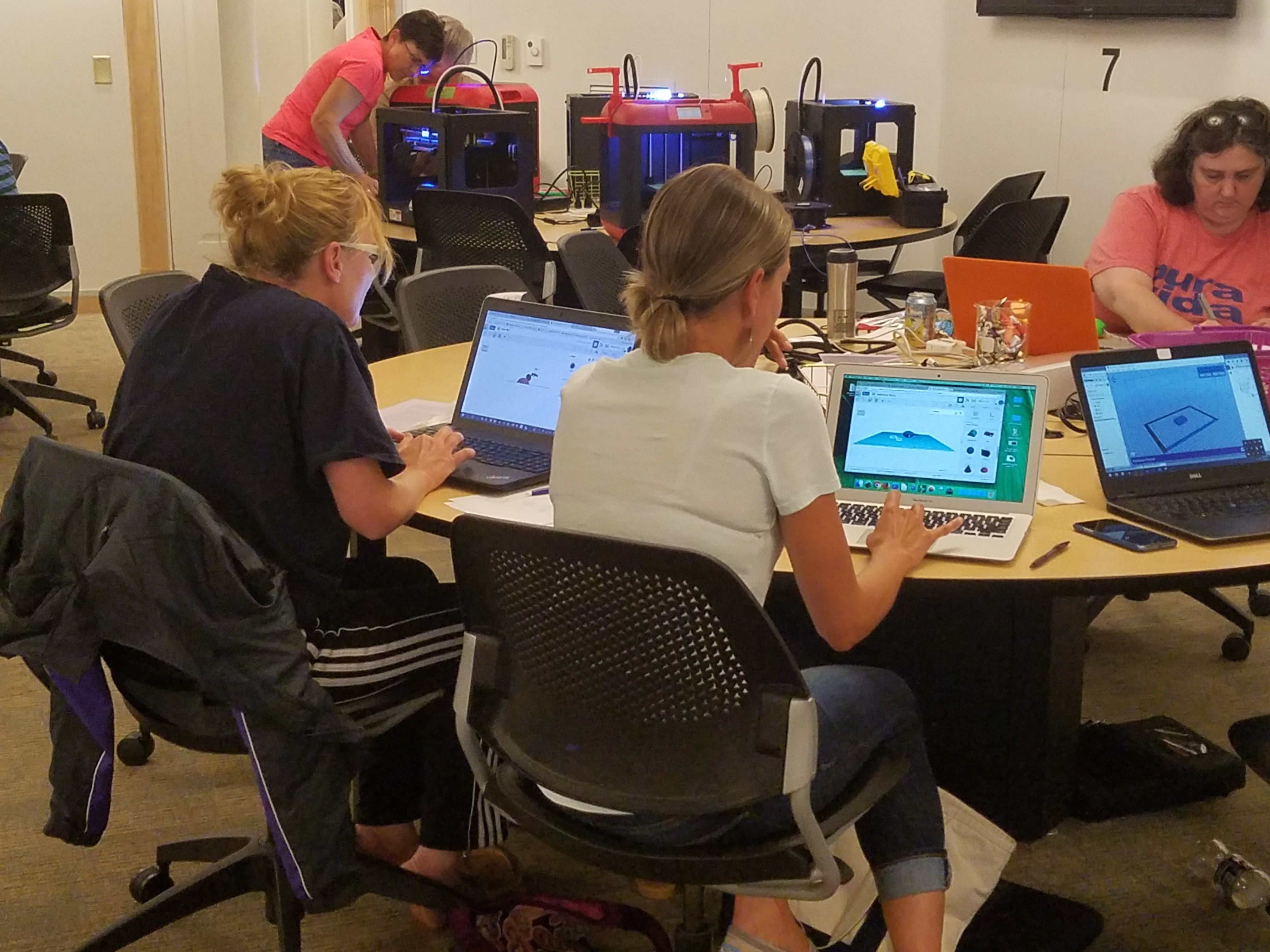 teachers designing 3D printing projects